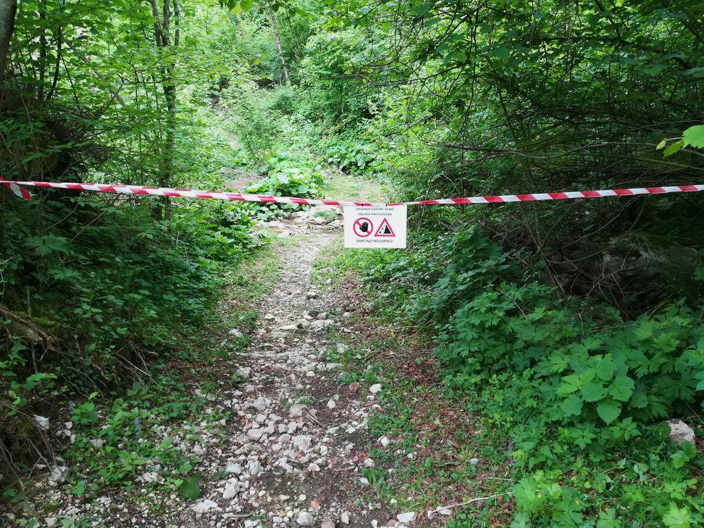 Zapora gozdne poti Ladra-Drežnica