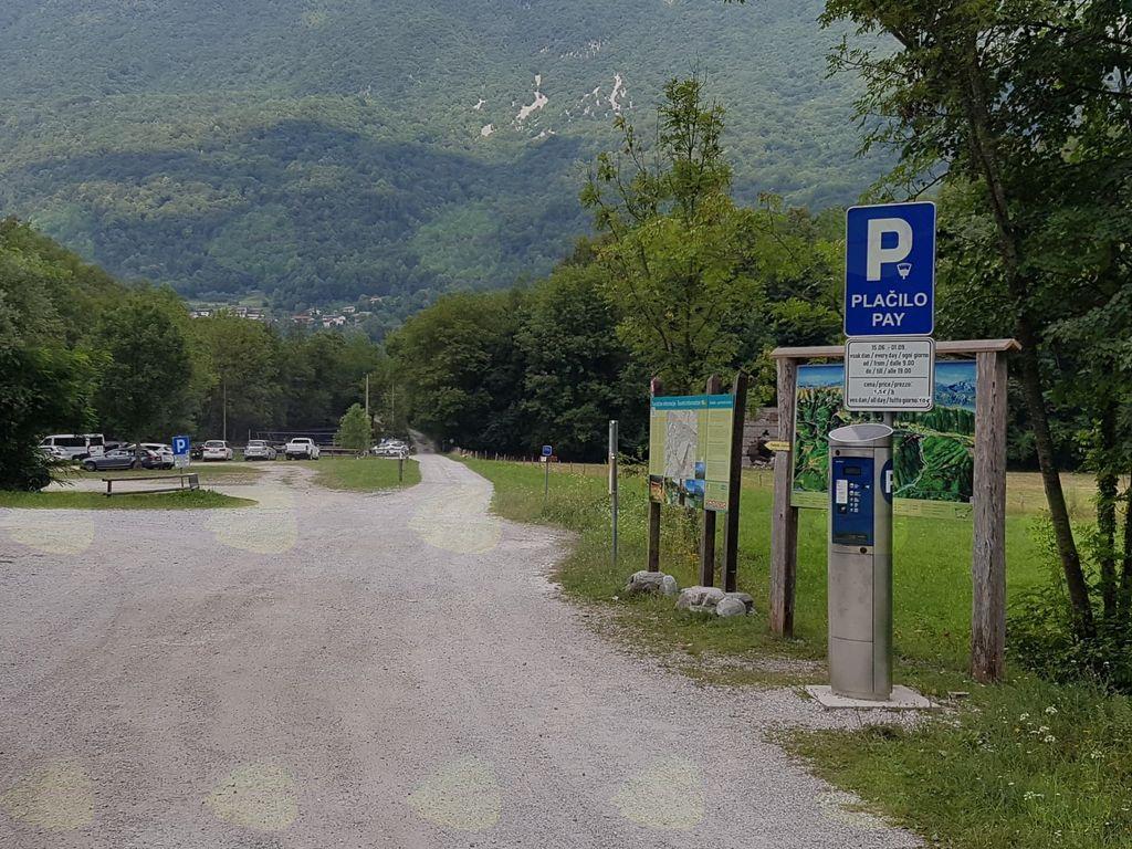 Dostopno mesto ob Nadiži. Foto: Nataša Hvala Ivančič
