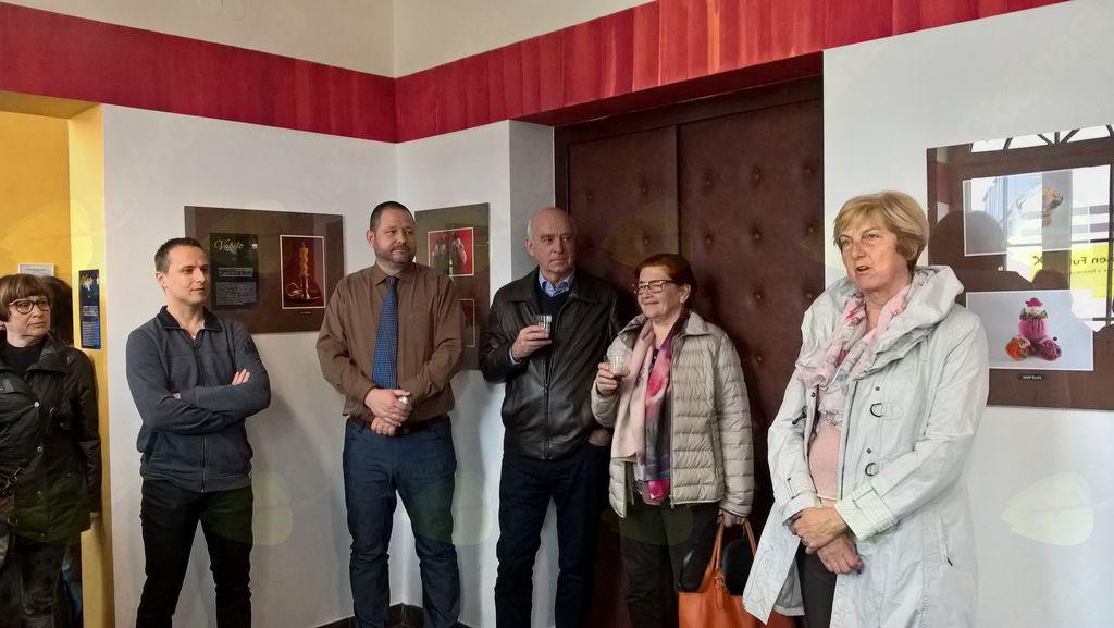 Otvoritev razstave fotografij članov programa ''Čarobnost fotografije'' Univerze za tretje življenjsko obdobje Mocis v avli Kulturnega doma Slovenj Gradec, dne 10.aprila 2018