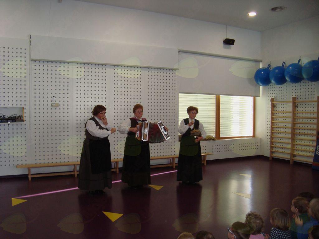 Glasbeno-plesni dopoldan v vrtcu Kidričevo
