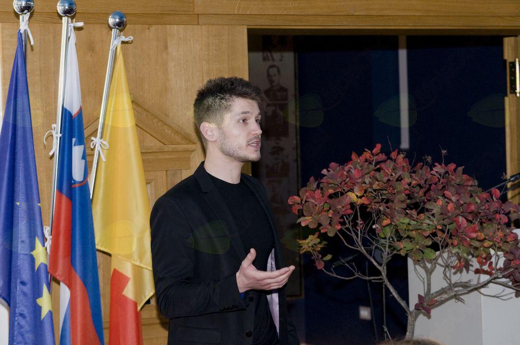 OBČINSKA PRIZNANJA 2018 slovesno podeljena na slavnostni seji na Cerju