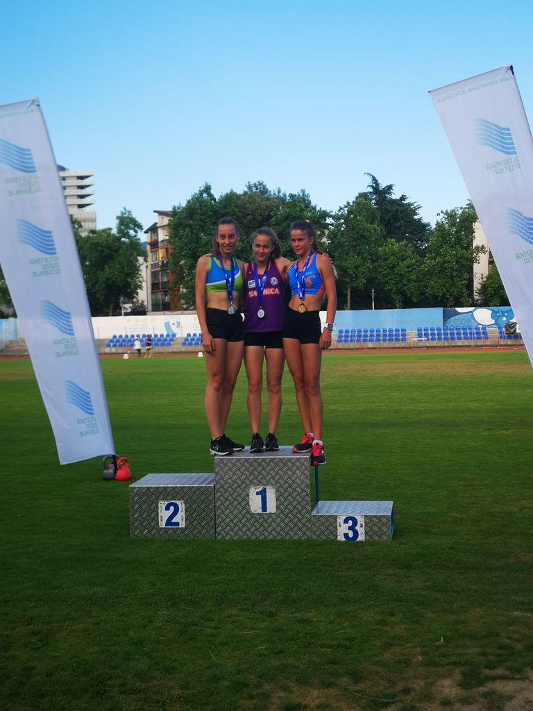 Lea Haler, zlata medalja na 3000 m