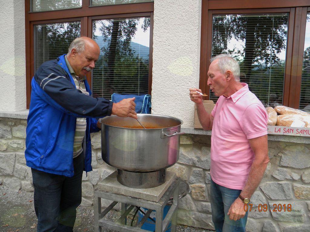 Naša mojstra pri kuhanju govejega golaža