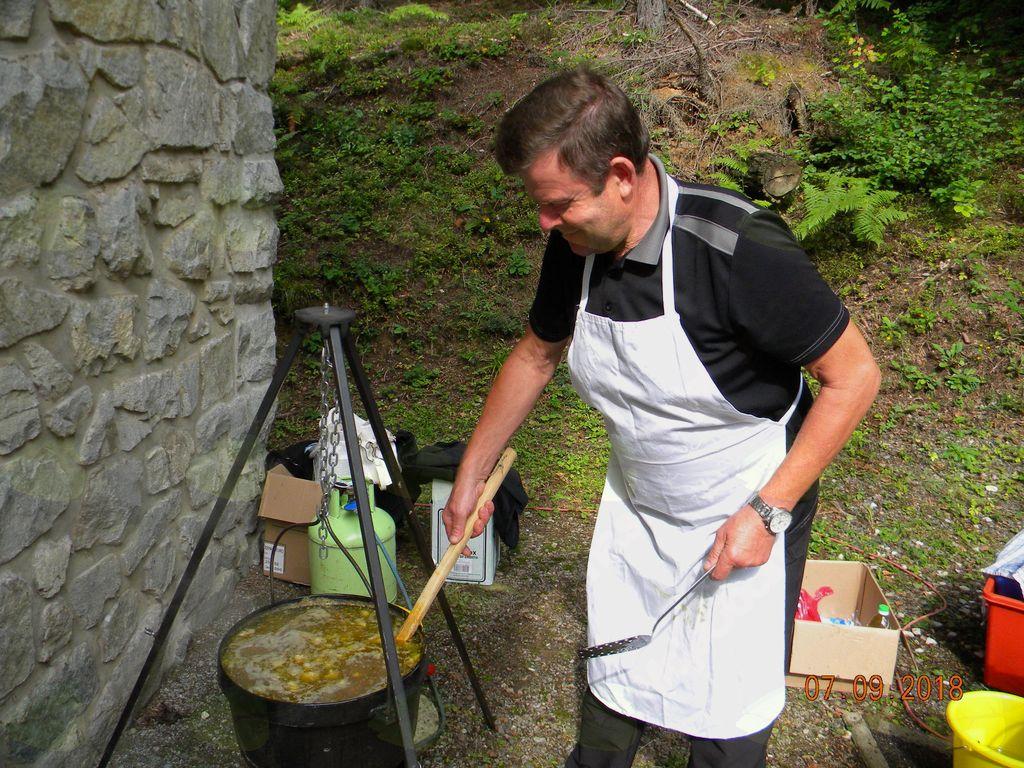 Kuhanje kisle juhe – DI TE Šoštanj