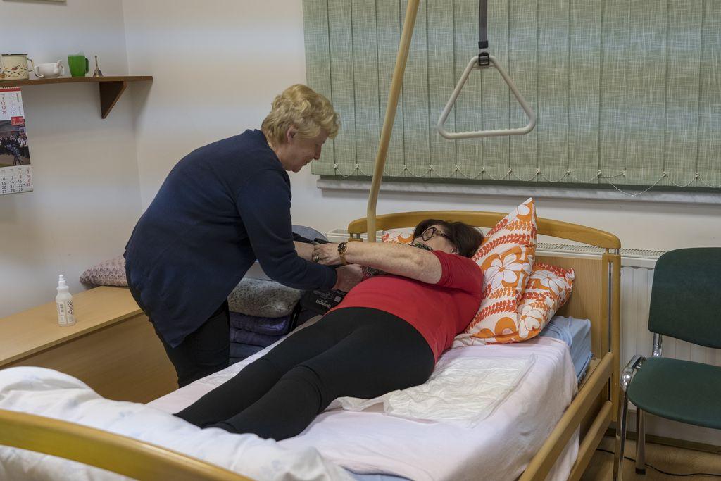 Merjenje krvnega pritiska v postelji