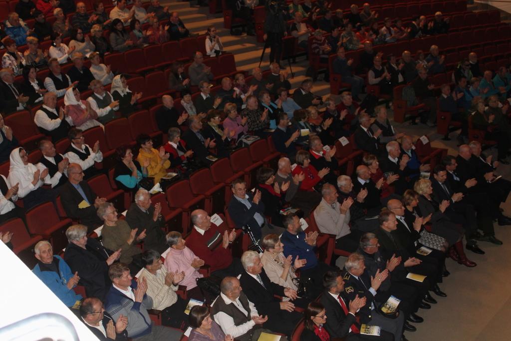 Dvorano Gledališča in koncertne dvorane za povsem napolnili planinci