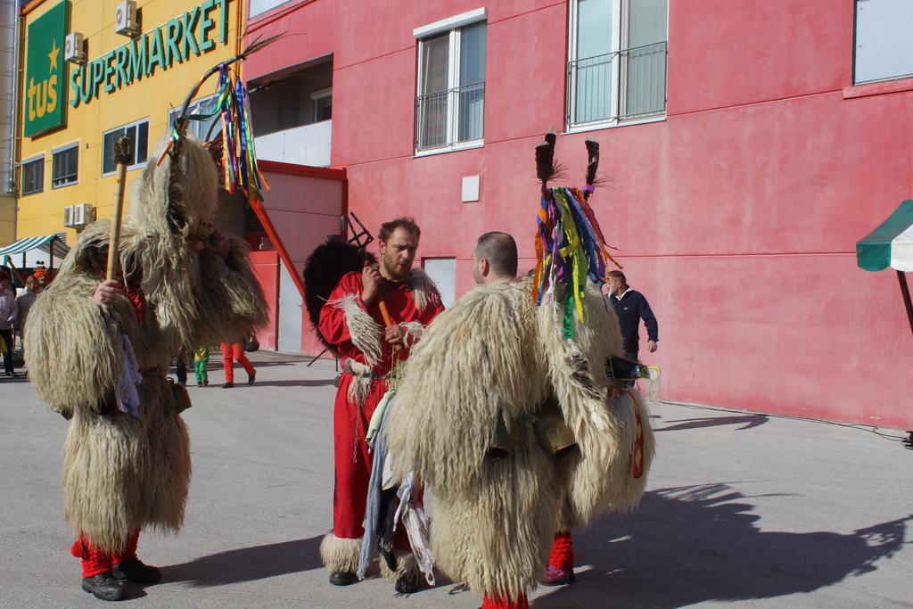 Tradicionalna maškarada v Mislinji
