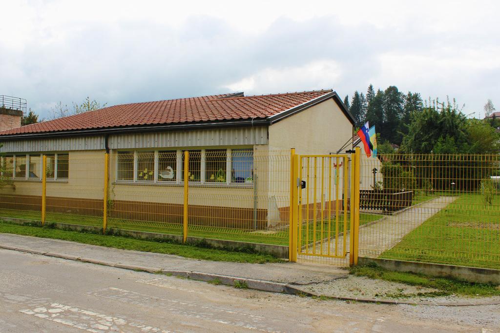 Javni poziv promotorjem k oddaji vloge o zainteresiranosti za izvedbo projekta javno-zasebnega partnerstva za podelitev koncesije storitev Vrtec Najdihojca Litija