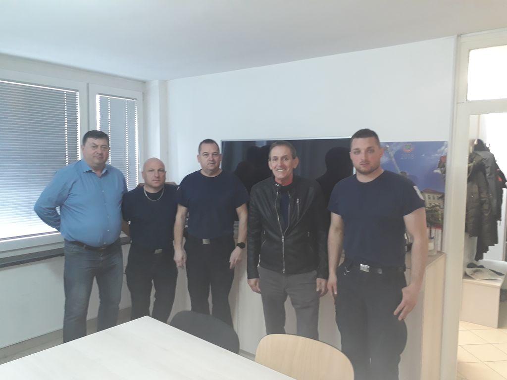 KTV Ravne razveselila poklicne gasilce