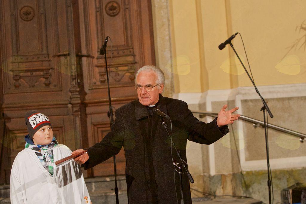 Župnik Anton Perger je spregovoril o pomenu Božičnega Vojnika.