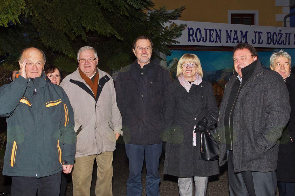Odprtja se je v družbi župana Branka Petreta udeležil tudi evropski poslanec Lojze Peterle.