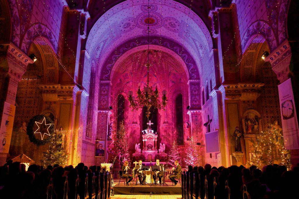 V cerkvi svetega Jerneja se je odvijalo veliko kulturnih dogodkov.