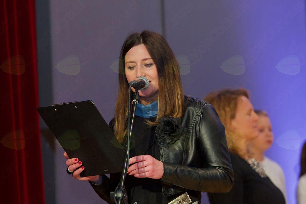 Povezovalka kulturnega programa Katja Žvikart