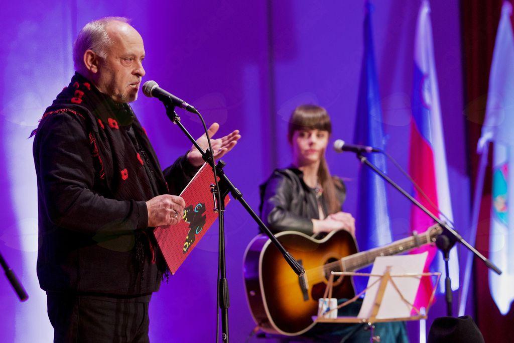 Ditka in Feri se zadnja štiri leta uspešno predstavljata z glasbeno-literarnimi dogodki po vsej Sloveniji.