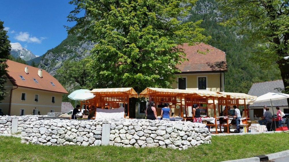 Trentarski senjem-ekološka tržnica in Sveta maša ob godu Sv. Ane