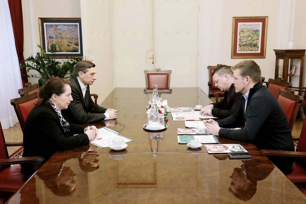 Ob obisku Mladinske iniciative za 3. razvojno os pri predsedniku RS Borutu Pahorju
