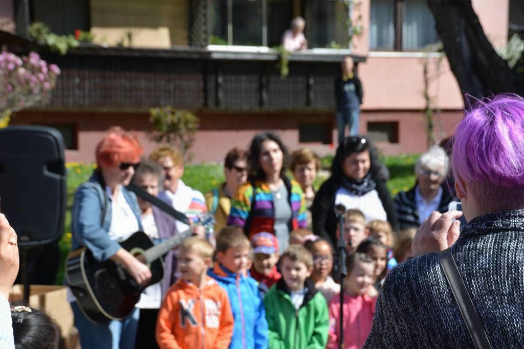 Vseslovenska akcija - dan za spremembe – dan za sodelovanje 'Spreminjajmo Ravne'