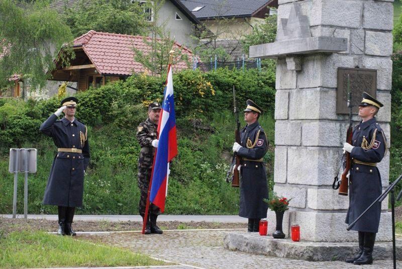 Proslava pri Malgajevemu spomeniku na Dobrijah