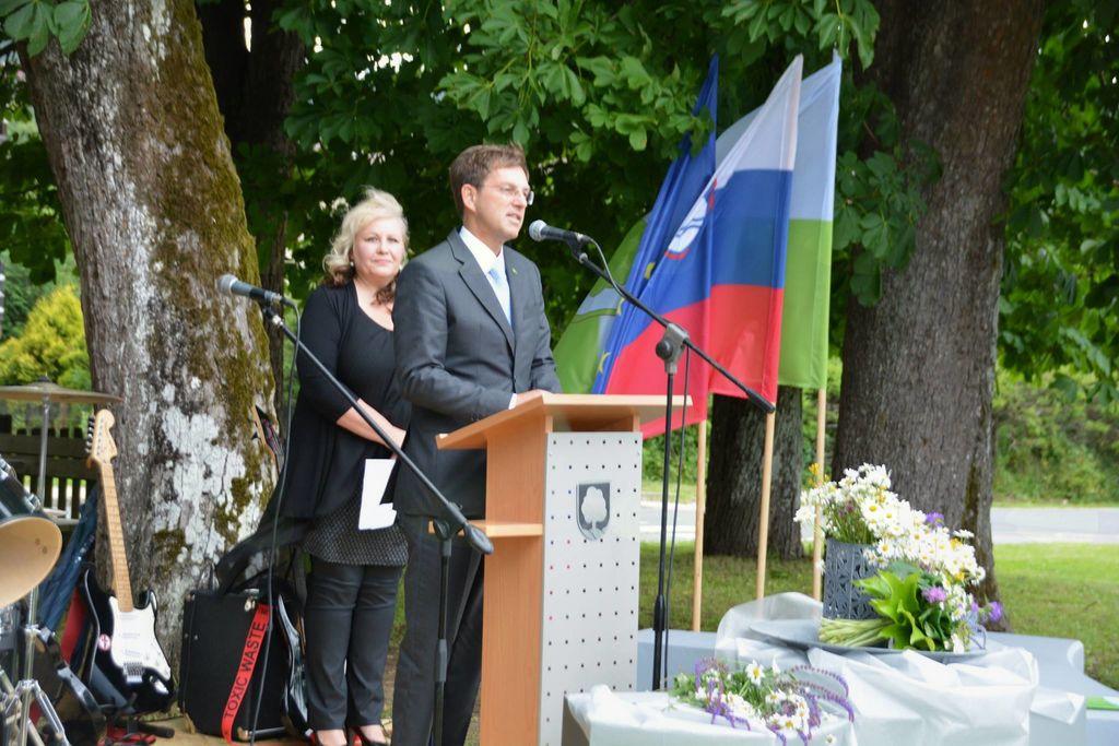 Premier dr. Cerar na Koroškem izpostavil pomen sodelovanja lokalne skupnosti in države