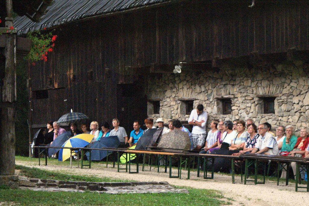 """15. Tradicionalno srečanje pri Prežihovi bajti  """"Liki s socialnega roba v Prežihovi literaturi"""""""