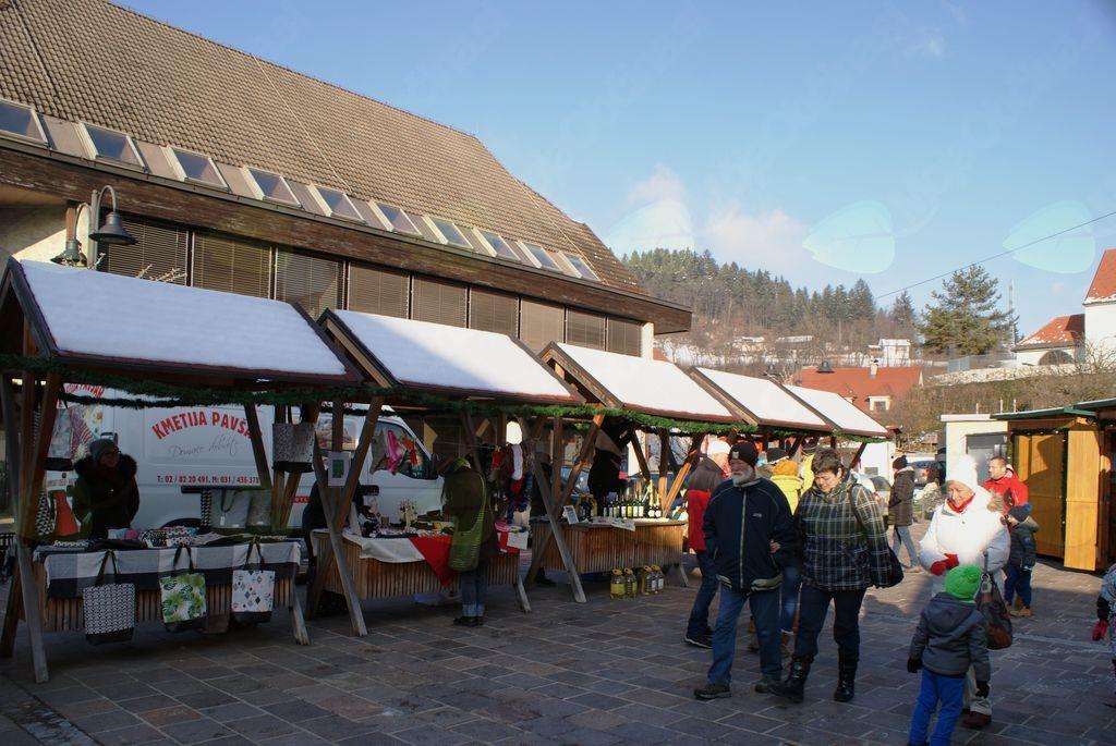 Adventna tržnica