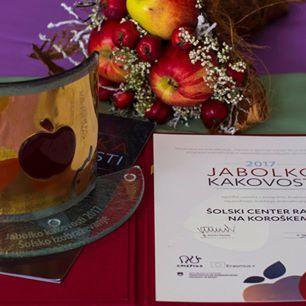 Ministrstvo za izobraževanje podelilo nagrade jabolka kakovosti, ki jo je prijel Šolski center Ravne na Koroškem