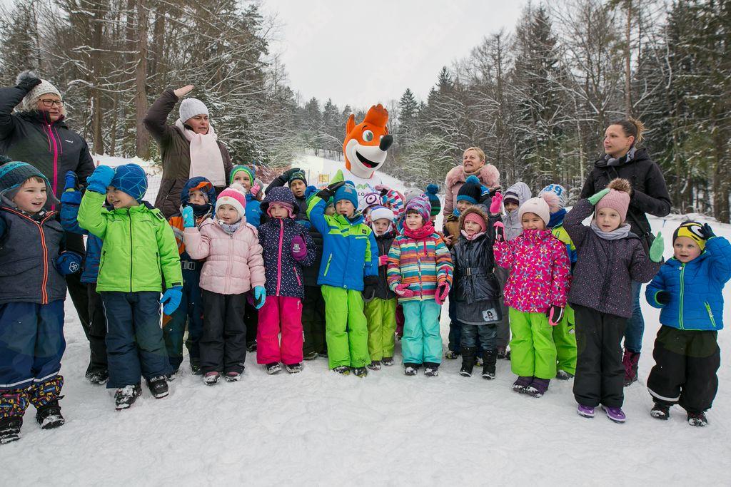 Skupina SIJ omogočila ureditev otroškega smučarskega poligona na Poseki