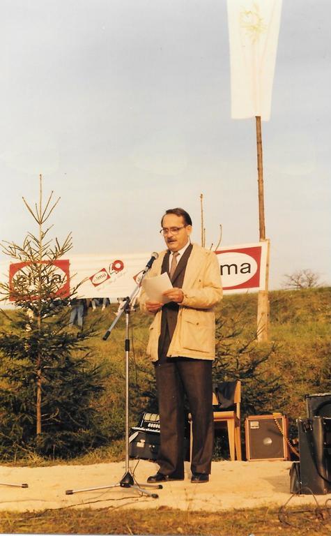 Dr. Matjaž Kmecl je leta 1988 odprl Levstikovo pot