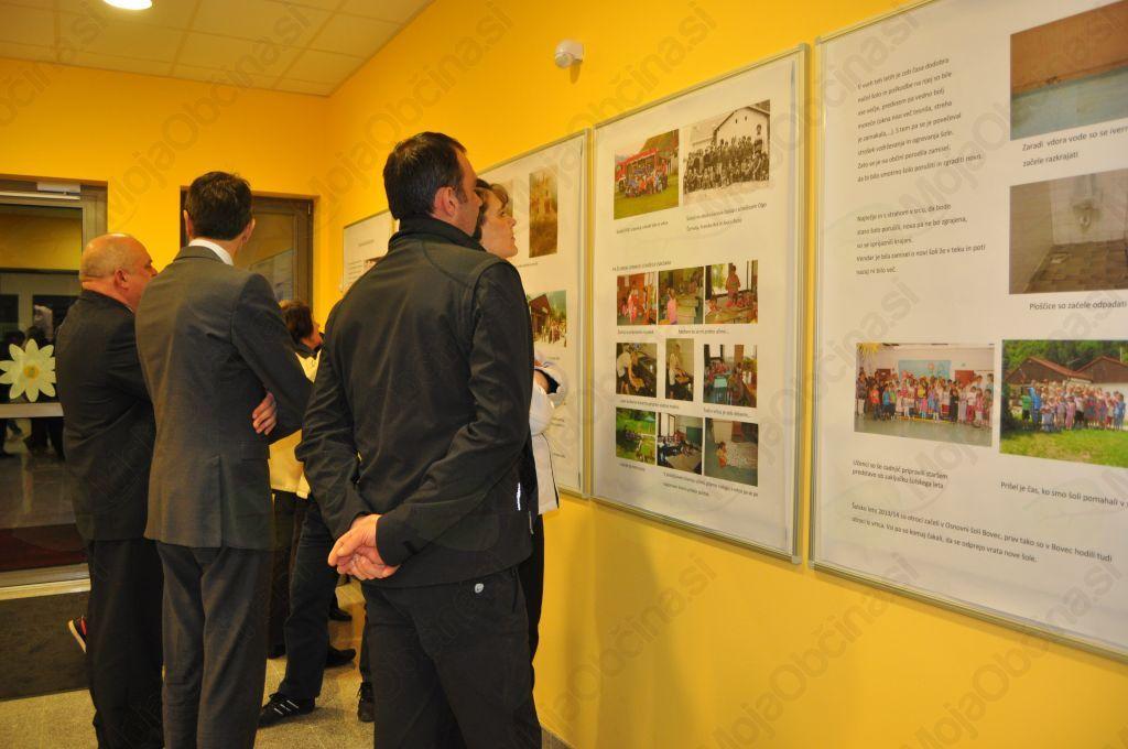 Zgodovino šole je na panojih prikazal Rolando Žagar.