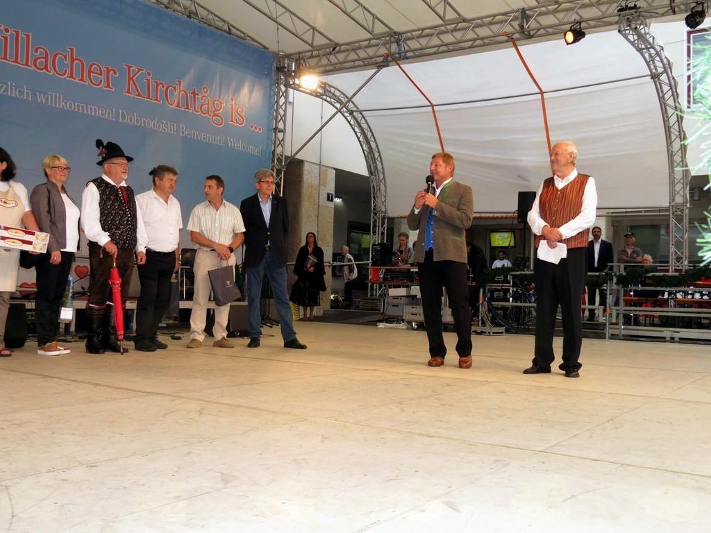 Predstavnike slovenskih občin je pozdravil Beljaški župan in g. Gerhard Liepuscich