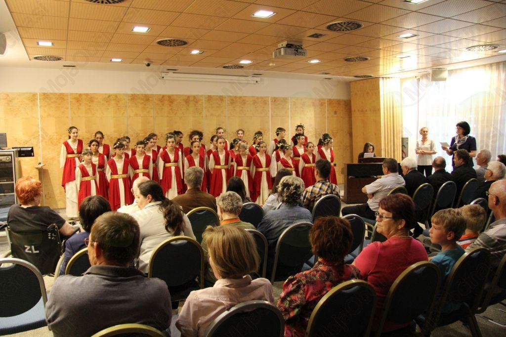 Samostojni koncert Evmolpeye z zborovodjo Rado Slavinski v Thermana parku v Laškem
