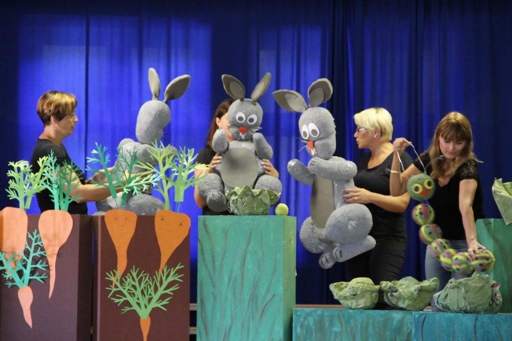 Lutkovna predstava Veliki in Mali zajec