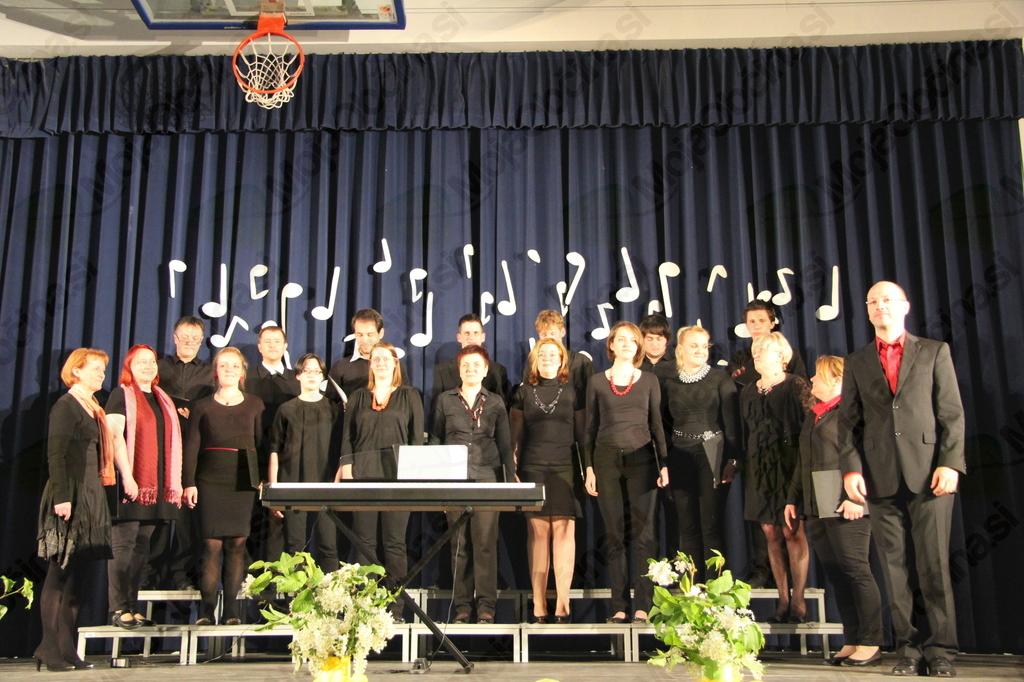 Mešani pevski zbor Forte Vojnik s Tomažem Marčičem