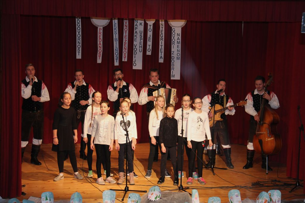 Proslava ob dnevu samostojnosti in enotnosti v Dobrniču
