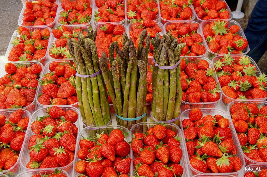 10. dan jagod in špargljev - prestavljeno na 27. maj 2018