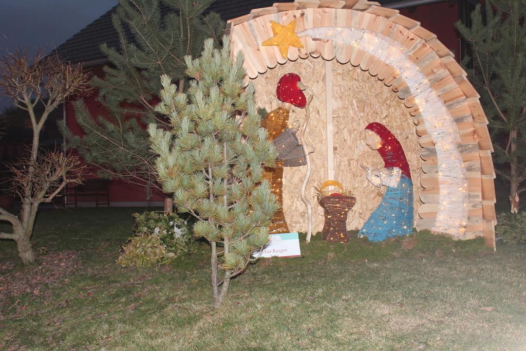 Božični Vojnik odprl svoja vrata