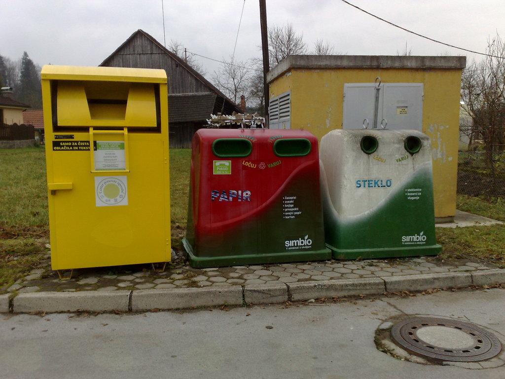 Odpadki sodijo na odlagališča.