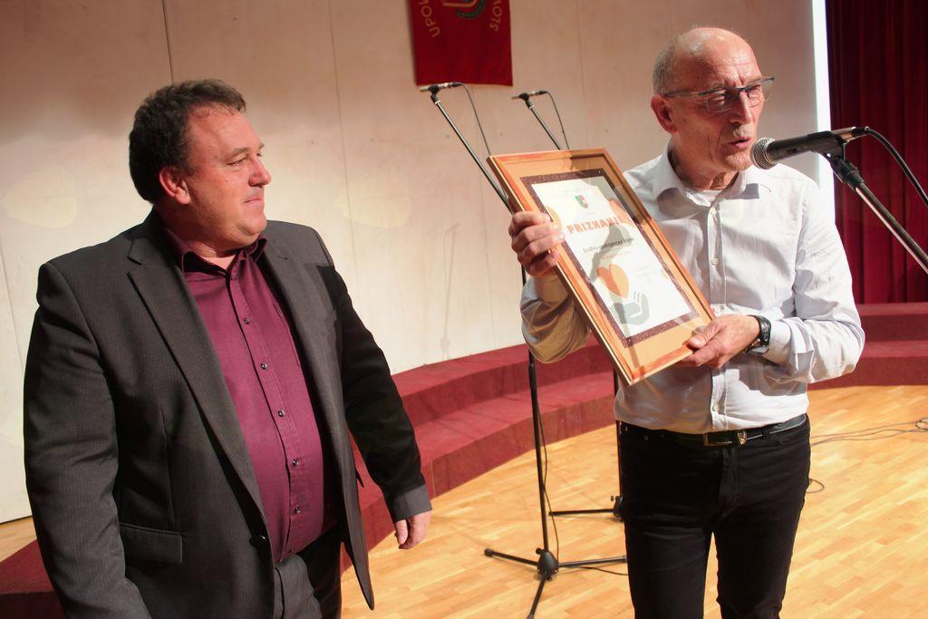 Župan Branko Petre se je zahvalil društvu.