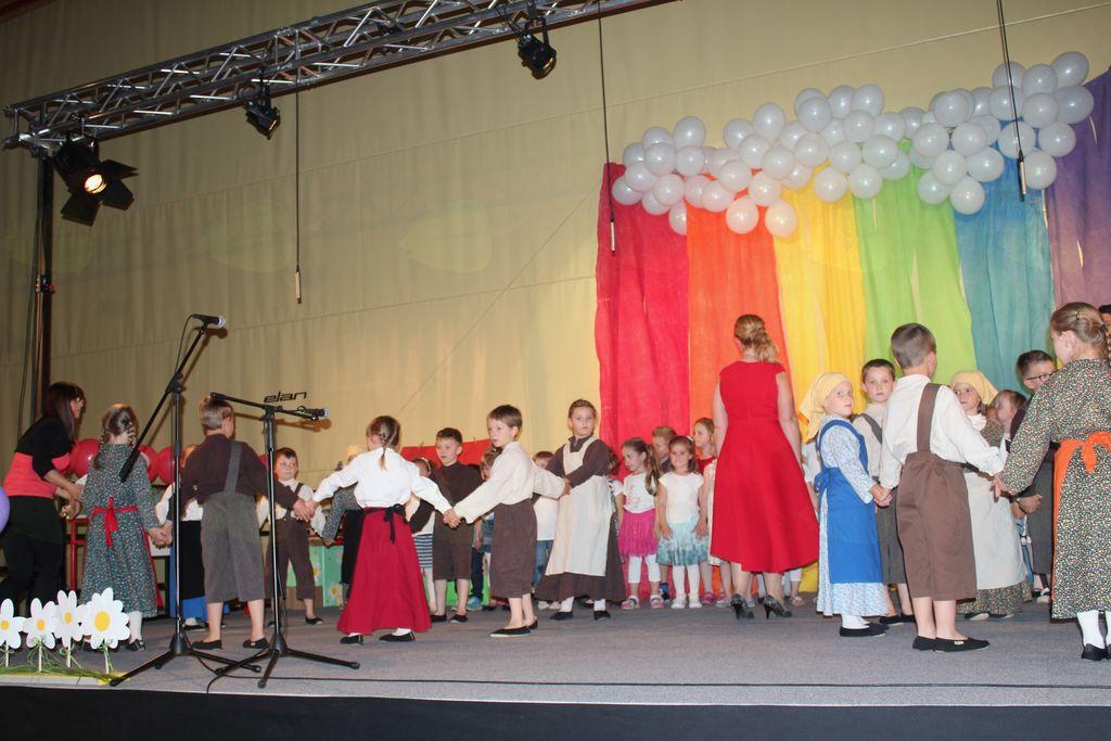 Na osrednji prireditvi Kdor poje, pleše, se igra, je v vrtcu Mavrica doma