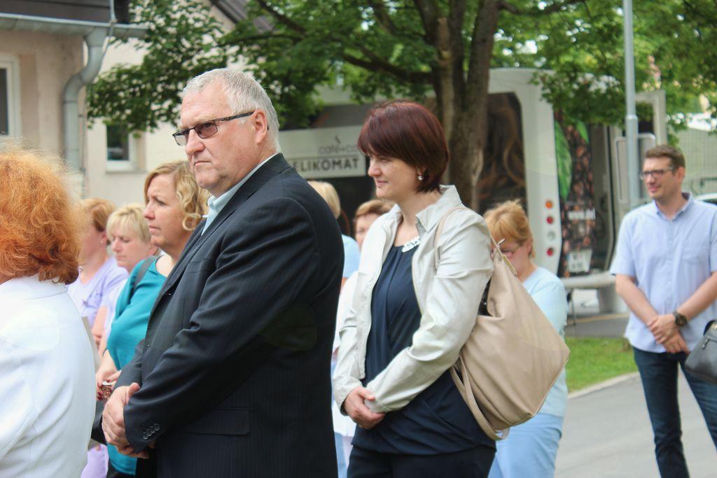 Egidij Čretnik in Lidija Eler Jazbinšek, predsednica Sveta KS Vojnik