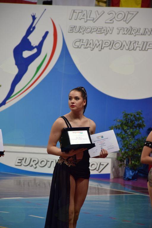 Eva Mlakar, podelitev finalistkam – prejem plakete za 5. mesto
