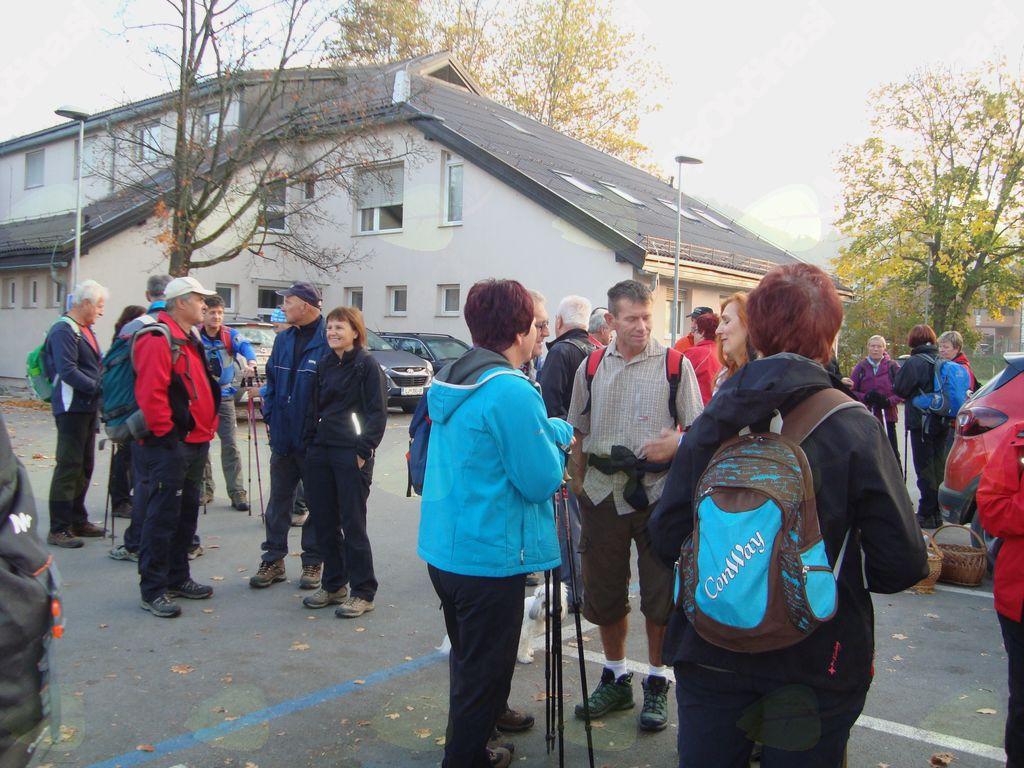 Planinsko društvo Vojnik: utrinki s pohoda in kostanjevega piknika