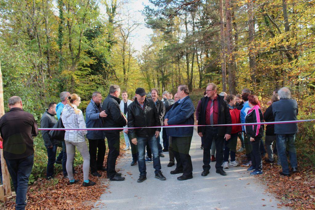 Velika pridobitev: asfaltiran odsek ceste med KS Nova Cerkev in KS Frankolovo