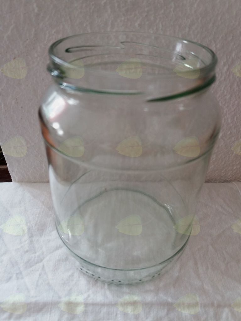 Čaroben steklen kozarec za unikatno trajnostno darilce