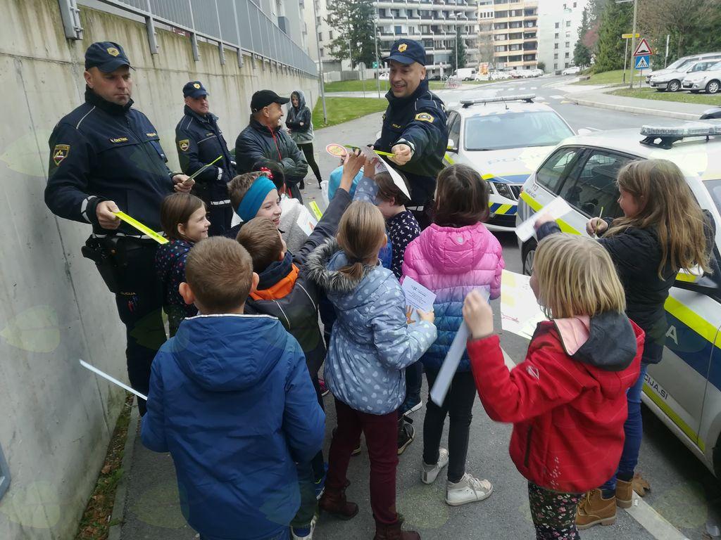 Otroci pozivajo voznike k treznosti