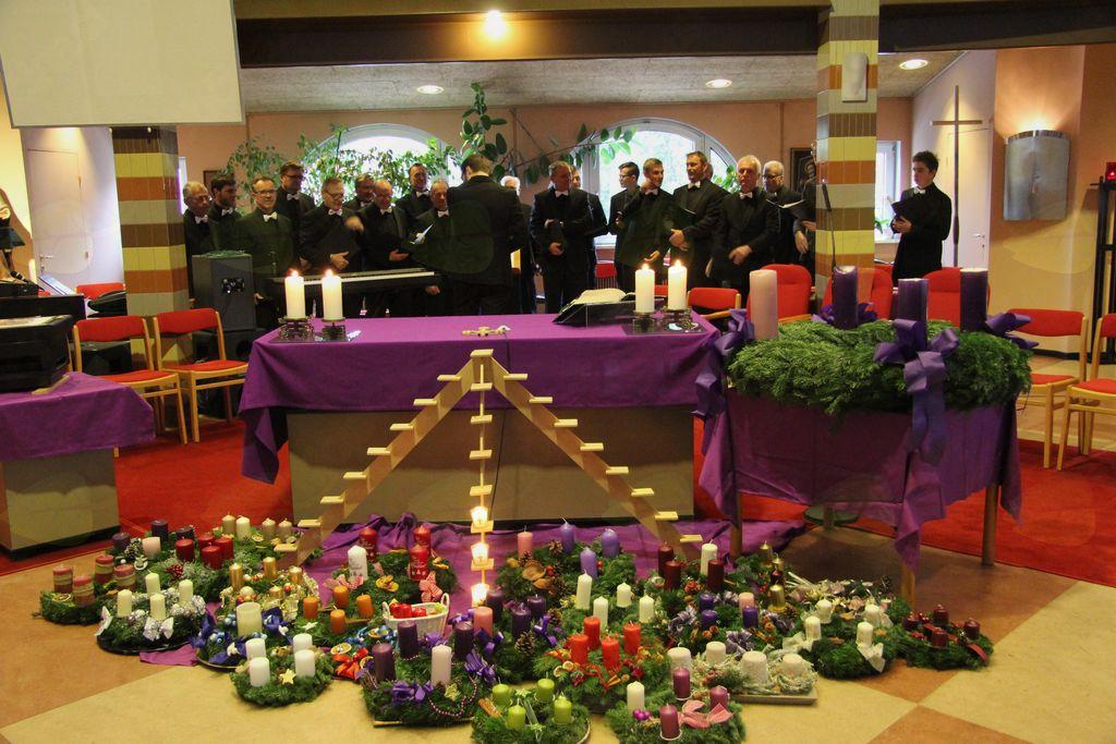 Člani moškega zbora s Frankolovega na adventnem Dunaju