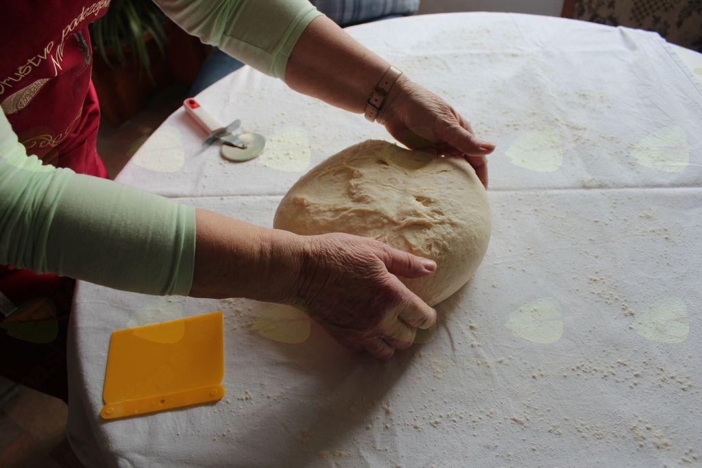 Ko zadiši po domači peki Majde Brežnik