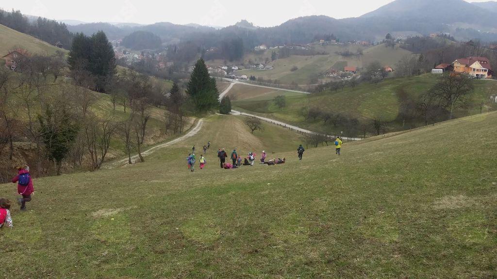 Mladi planinci po Anini poti