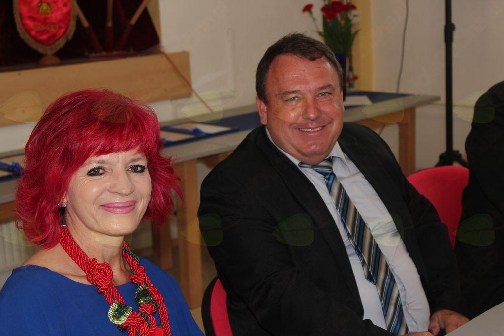 Marijana Kolenko, povezovalka prireditve, in župan Branko Petre