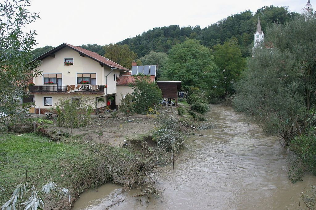Hudinja – Hudinja v Vojniku po poplavi septembra 2007
